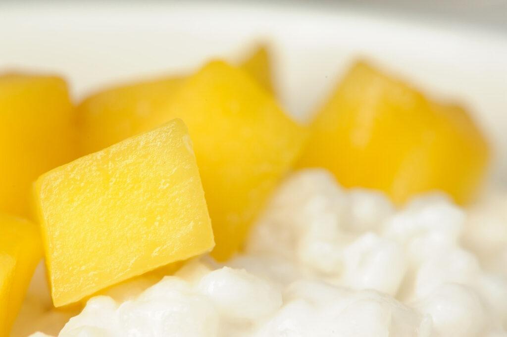 mango und kokosmilchreis